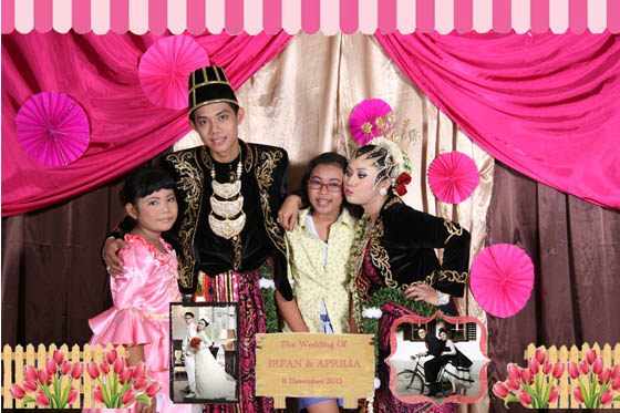 The Wedding Of Lia & Irfan Gedung SSARPRAS SDELOG MABES POLRI 8 Desember 2013 By Ferdy Production Photobooth